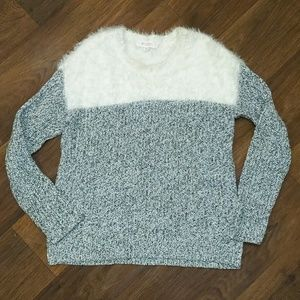 Vince Camuto cable knit gray and white sweater xs